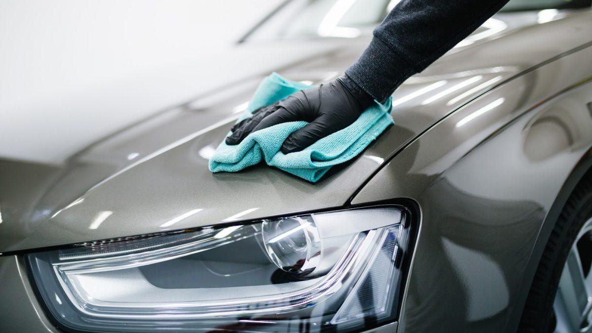 Como lavar o seu carro de maneira adequada