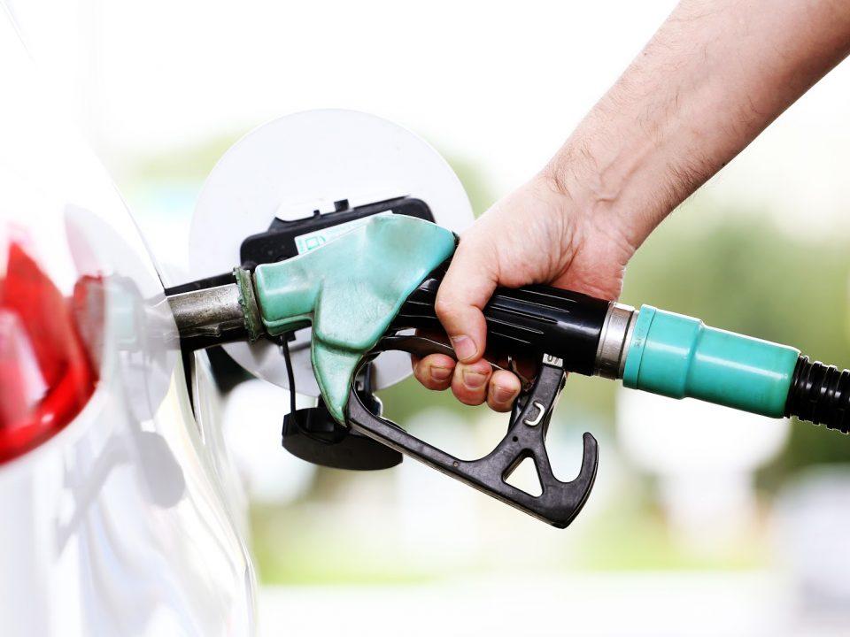 Diferença entre o aditivo vendido em frasco e a gasolina aditivada