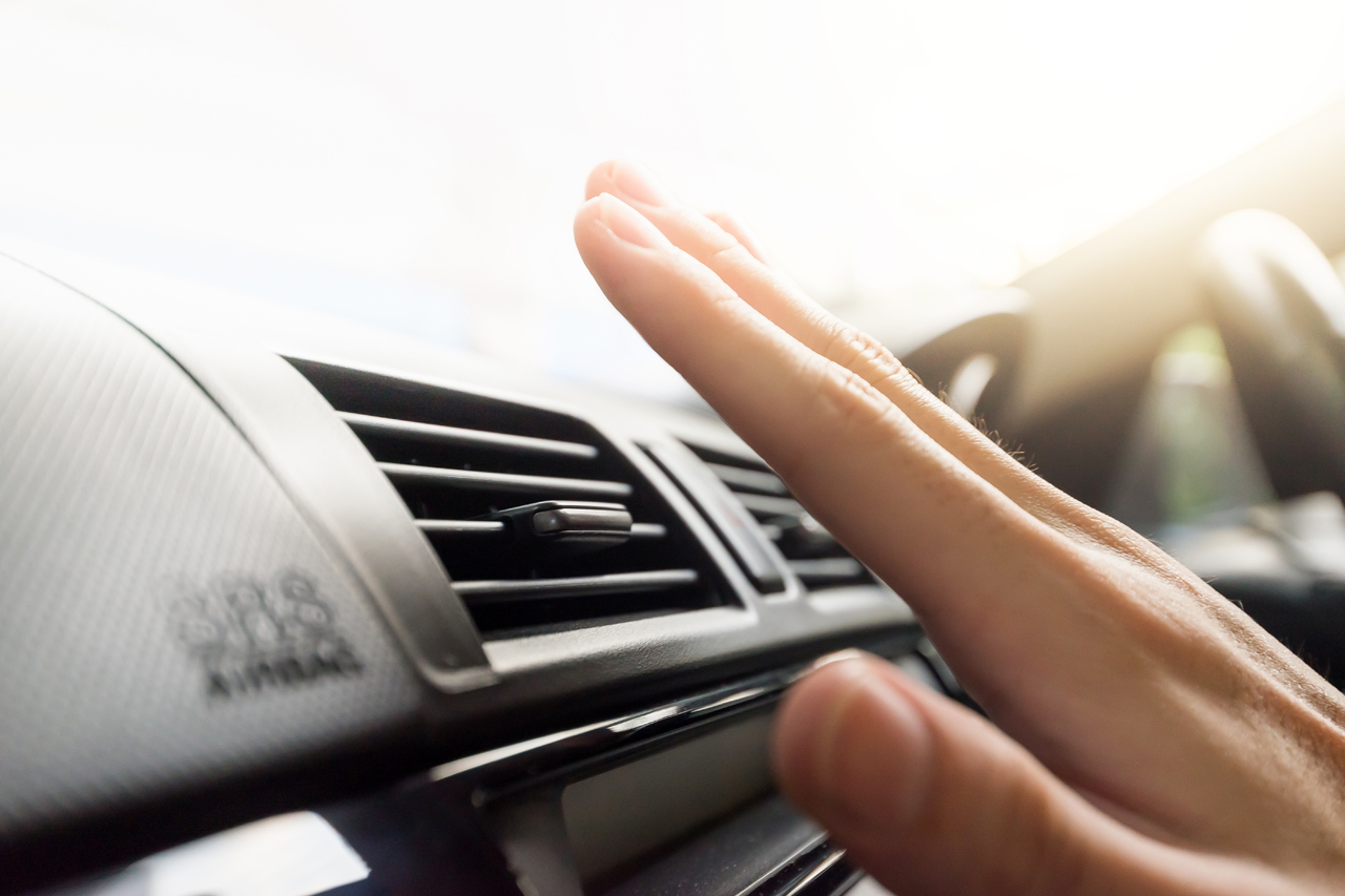 Quando deve ser feita a higienização do ar condicionado automotivo?